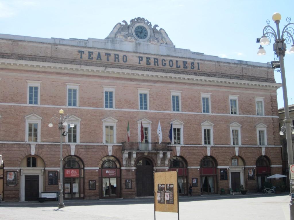 Jesi, Facciata del Teatro Pergolesi